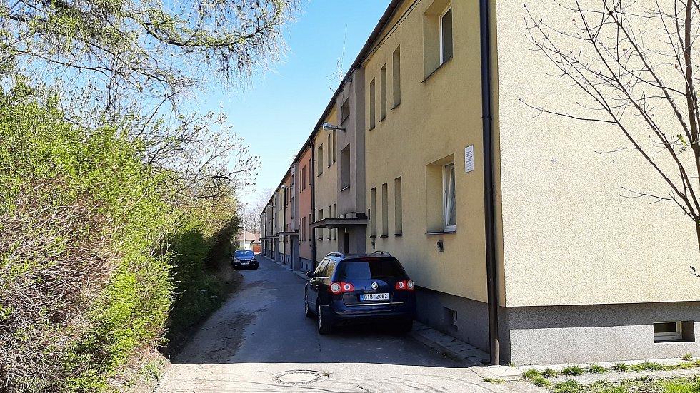 Orlová-Poruba. Ulice Poruby poblíž služebny PČR.