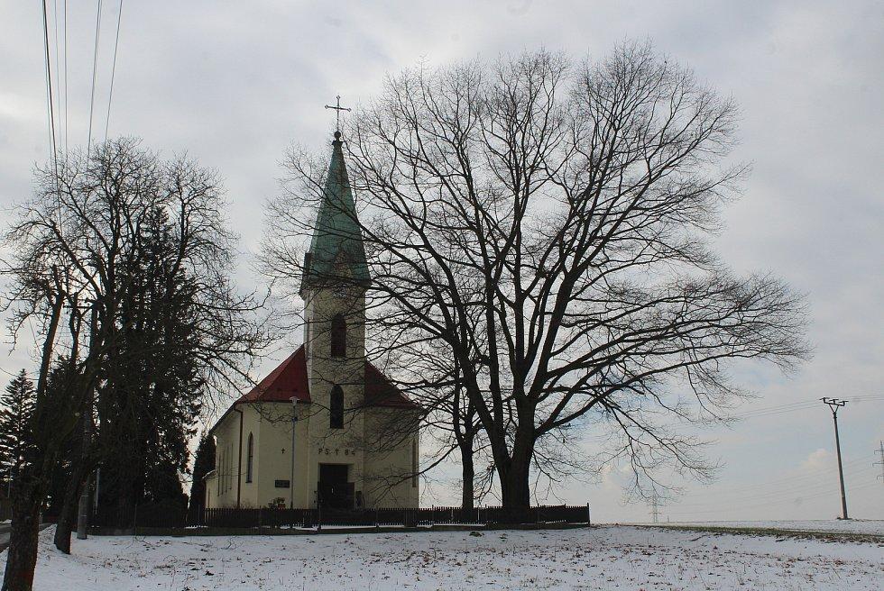 Hornická obec Stonava před 30 lety doslova vstala z popela. Dnes má necelých 2000 obyvatel a velmi dobrou infrastrukturu. Evangelický kostel