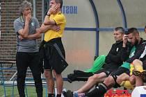 Trenéři Karviné Jozef Weber (vlevo) a Josef Mucha.