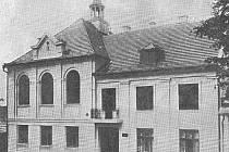 Dobová fotografie Husova domu v Orlové.