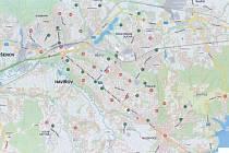 Seznam míst, kde by mohla být k dispozici sdílená kola. Zeleně jsouoznačena místa, kde už sgtojany jsou, červeně pak místa, kam by měly být stojany doplněny.