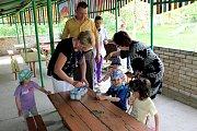 ADRA pomáhá dětem a rodinám v Mukačevu a okolí. Návštěva dětského domova v Činadijovu.