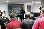 Vedení MFK pozvalo fotbalové fanoušky na prohlídku stadionu.
