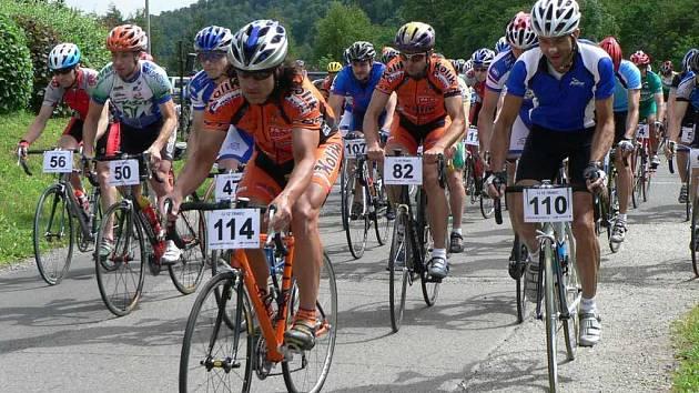 Závodu Tour de Javorový, který je čtvrtým kolem seriálu, se zúčastnilo 120 cyklistů.