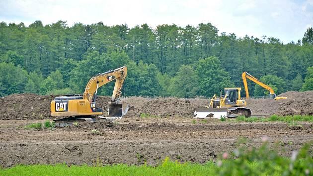 V Bohumíně pokračuje stavba nového lesoparku.