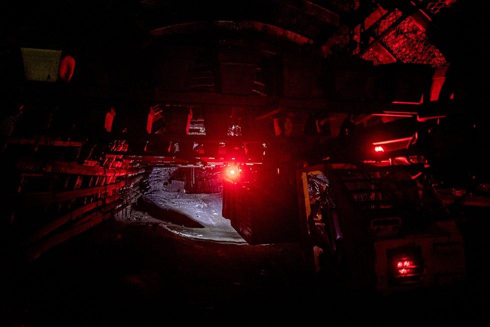 Dva měsíce po skončení těžby jsou už všechny ukončené dobývací prostory v dolech ČSA a Darkov uzavřeny hrázemi odolnými proti výbuchu, 7. května 2021 v Karviné.