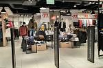 V Polsku se v pondělí 1. února otevřely nákupní galerie. Reportáž z Jastrzebie-Zdrój. Galeria Zdrój