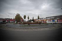 Kruhový objezd u Tesca v Karviné, listopad 2020.
