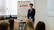 Během slavnostního otevření promluvila k budoucím zdravotníkům i Sestra roku Lenka Holubová.