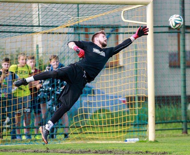 Fotbalový trénink bohumínských fotbalistů sbrankářem Tomášem Vaclíkem. Na fotografii Tomáš Vaclík.