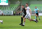 Karvinští (v bílém) vyřadili loňského finalistu poháru z Jablonce.