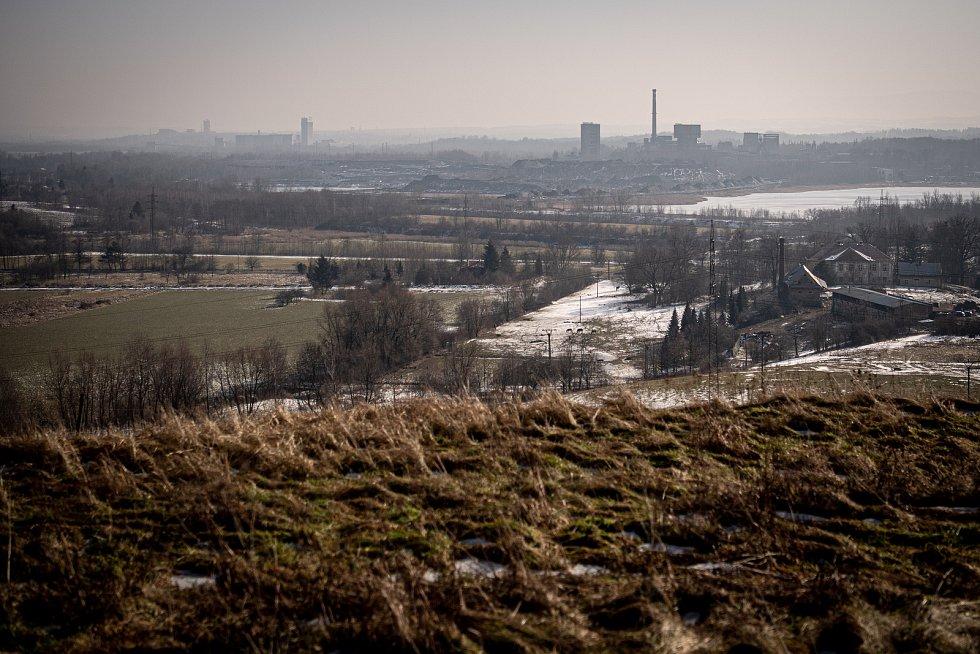 (zleva) důl ČSM Stonava, důl Darkov a důl Karviná (ČSA), 22. února 2021 na Karvinsku.