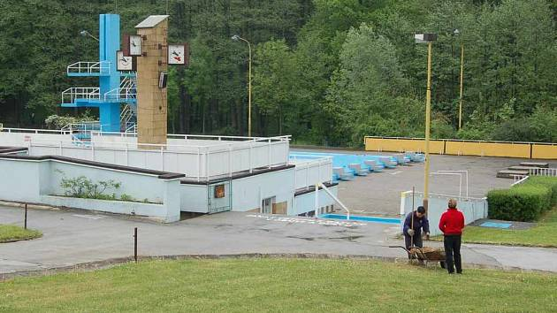 Orlovští radní uvažují, že se pustí do přestavby areálu letního koupaliště.