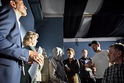 Natáčení filmu České televize Stockholmský syndrom v Havířově. Na snímku (vpravo) ražisér Dan Svátek, (vlevo od něj) Martin Pechlát (vlevo od něj) herečka Zuzana Mauréry, (vpravo od něj) Martin Finger.
