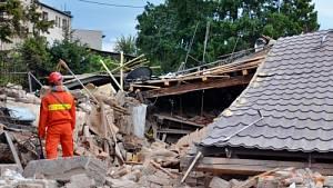 Záchranné a pátrací práce u RD v Českém Těšíně