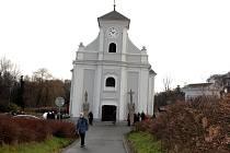 Šikmý kostel sv. Petra z Alkantary v Karviné.