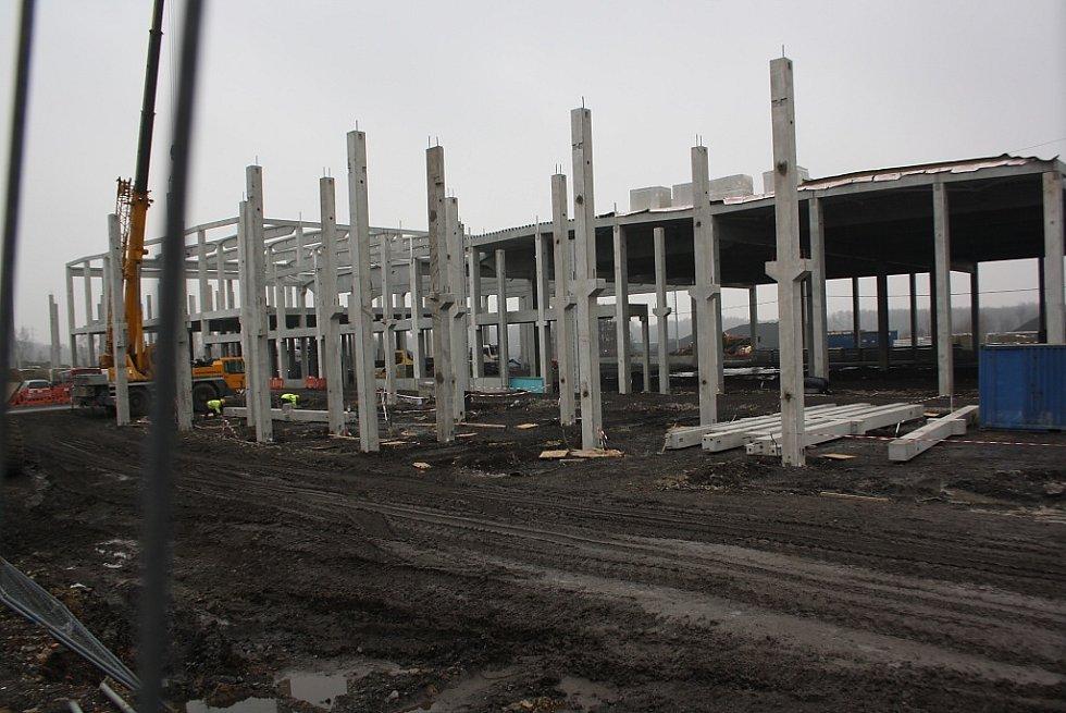 Stavba Mölnlycke Health Care v Havířově-Dolní Suché.