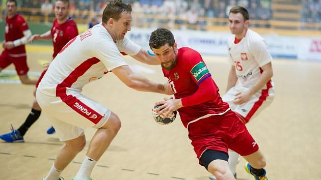 Házenkáři (v červeném Ondřej Zdráhala) hrají ve středu ve Finsku a v neděli v Ostravě s Bosnou.