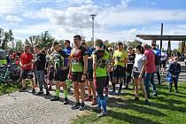 Dobrá nálada, pomoc dětem i sport. Takto to vypadalo v Karviné, když desítky dospělých, dětí i psíci vyběhli  na trať, aby tak podpořili místní školku.