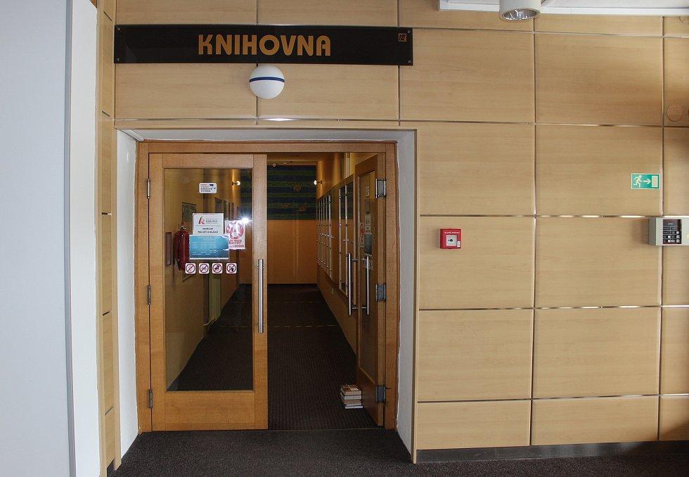 Pobočka knihovny v Karviné-Novém Městě se po půl roce naplno otevřela čtenářům.