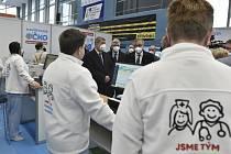 O očkovací centrum v Havířově se zajímá i premiér Andrej Babiš.