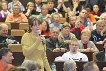 Snímek z březnového setkání občanů se zástupci OKD.