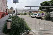Část ulice Havlíčkova před polskou školou je uzavřena.