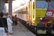 Expres Hutník ve stanici Havířov.