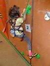 Mladí lezci v akci.
