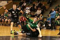 Karvinští házenkáři už mají sice ziskem Českého poháru letos splněno, ale to neznamená, že by to měli v semifinále play-off Dukle nějak usnadnit.