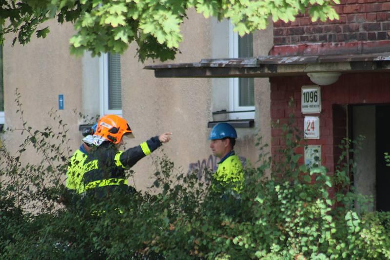 V jednom z bytů v ulici U bažantnice vybuchl v úterý odpoledne plyn. Několik lidí bylo zraněno.