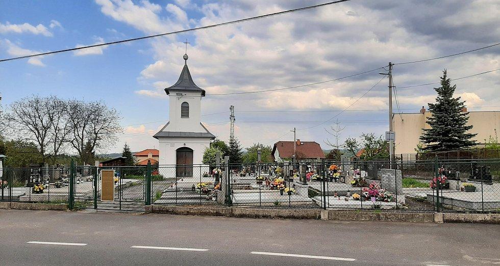 Havířov, Životice, hřbitov kaple.