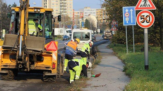 Silničáři začali s opravou Ostravské ulice v Karviné.