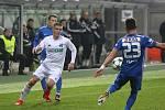Z utkání Karviné (v bílém) proti Liberci.