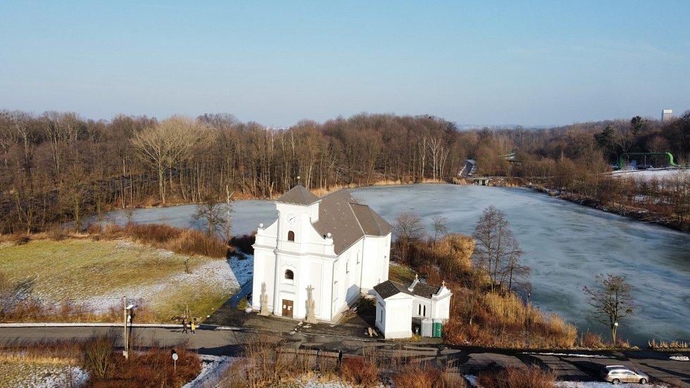 Kostel sv. Petra z Alkantary, jediné, co zbylo z původní Karviné.