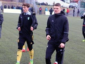 Jan Štěrba (vpravo) bude první posilou fotbalové Karviné.