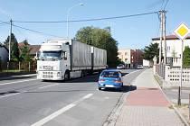 Hustá doprava v obci je věc, která obyvatele Dětmarovic trápí.
