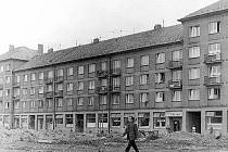 Čapkova ulice v době své výstavby.