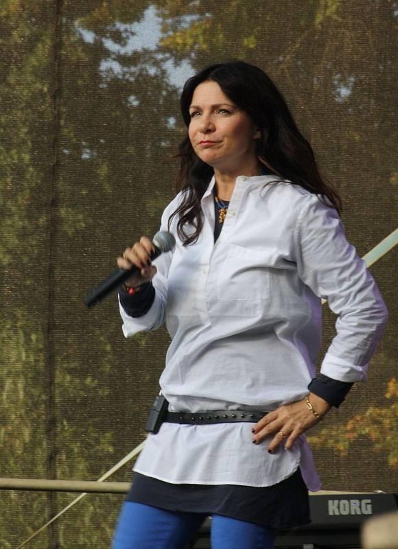Na Hornických slavnostech v Karviné zpívala mj. Anna K.