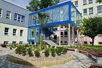 Slavnostní otevření nástavby nad jídelnou ZŠ Dělnická v Karviné, kde vznikly nové moderní učebny.