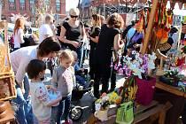 Na osm desítek řemeslníků a prodejců vykouzlilo na sobotním jarmarku v Bohumíně pravou velikonoční atmosféru.