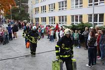 Požární cvičení v ZŠ Františka Hrubína v Havířově-Podlesí.