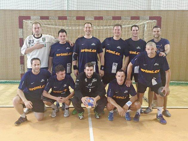 Karvinští hráči na vítězném turnaji v Polance.