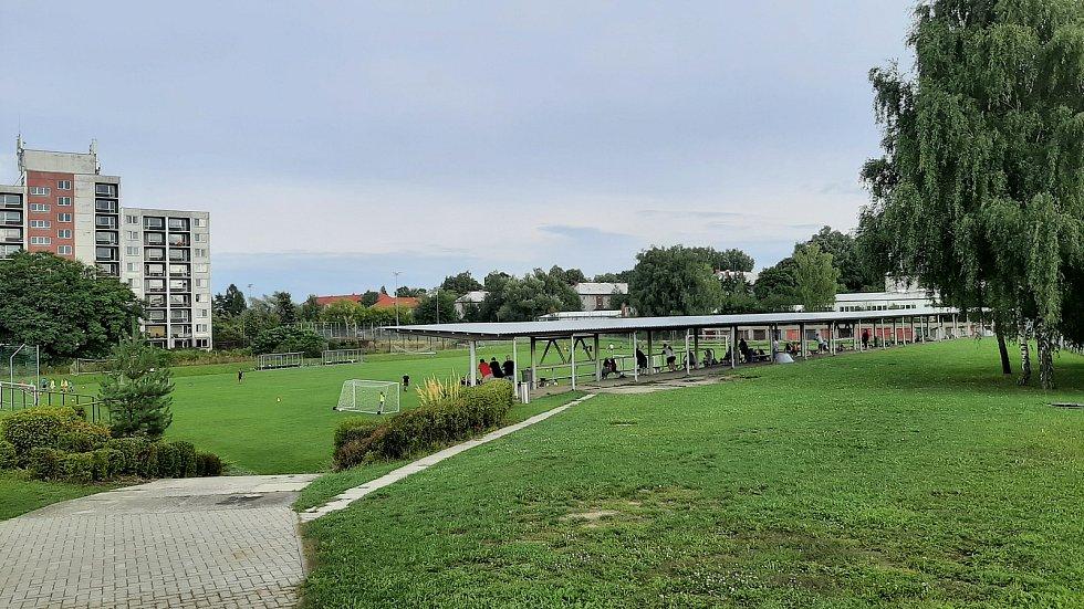 Prostřední Suchá. Fotbalový stadion.
