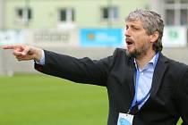 Jozef Weber vede své mužstvo vstříc postupu.