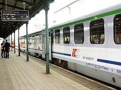 Vlak v bohumínské železniční stanici.
