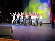 Krásný tanec, hezké úbory a líbivá hudba. To vše patřilo k sobotnímu jubilejnímu koncertu tanečního souboru Ritmo z Rychvaldu.