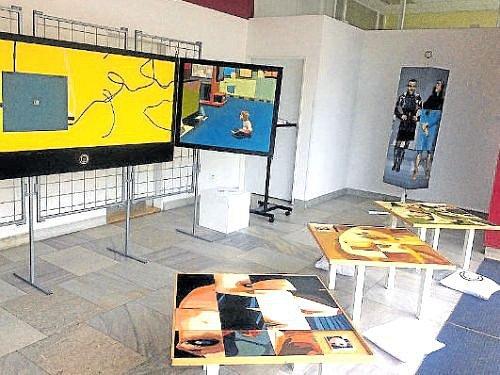 Výstava olejomaleb Františka Szymczyska určitě stojí za návštěvu.