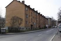 Dům v šumbarské ulici Obránců míru určený k demolici.