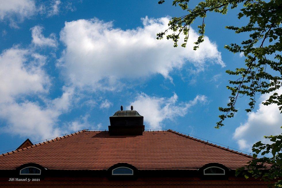 Budova někdejší Jiráskovy školy je sídlem školy speciální.